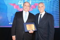 Néstor Abatidaga, Director General Corporativo del Grupo Sancor Seguros, recibió reconocimiento a su trayectoria