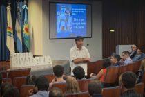 """Charla motivacional de Sergio """"Cachito"""" Vigil en el Salón Cultural de Seguros Rivadavia"""